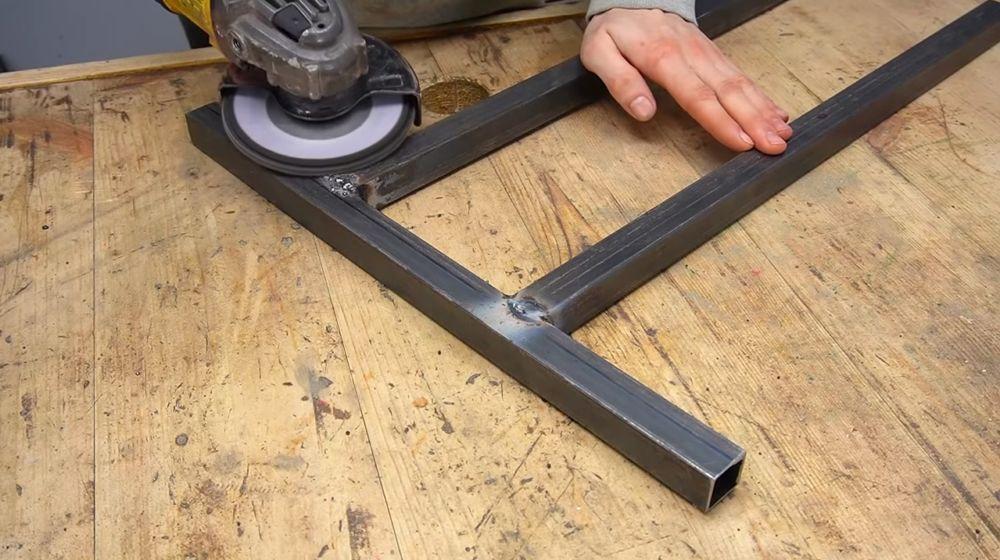 Процесс изготовления ручной бетономешалки шаг 4