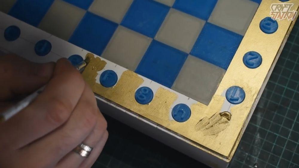 Процесс изготовления шахмат из эпоксидной смолы шаг 44