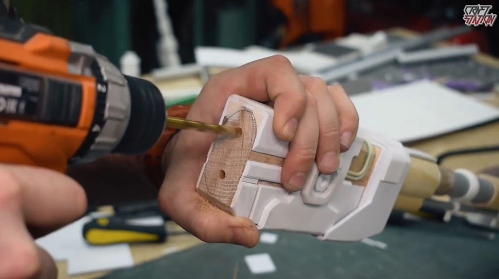 Процесс изготовления винтовки мондалорца шаг 48