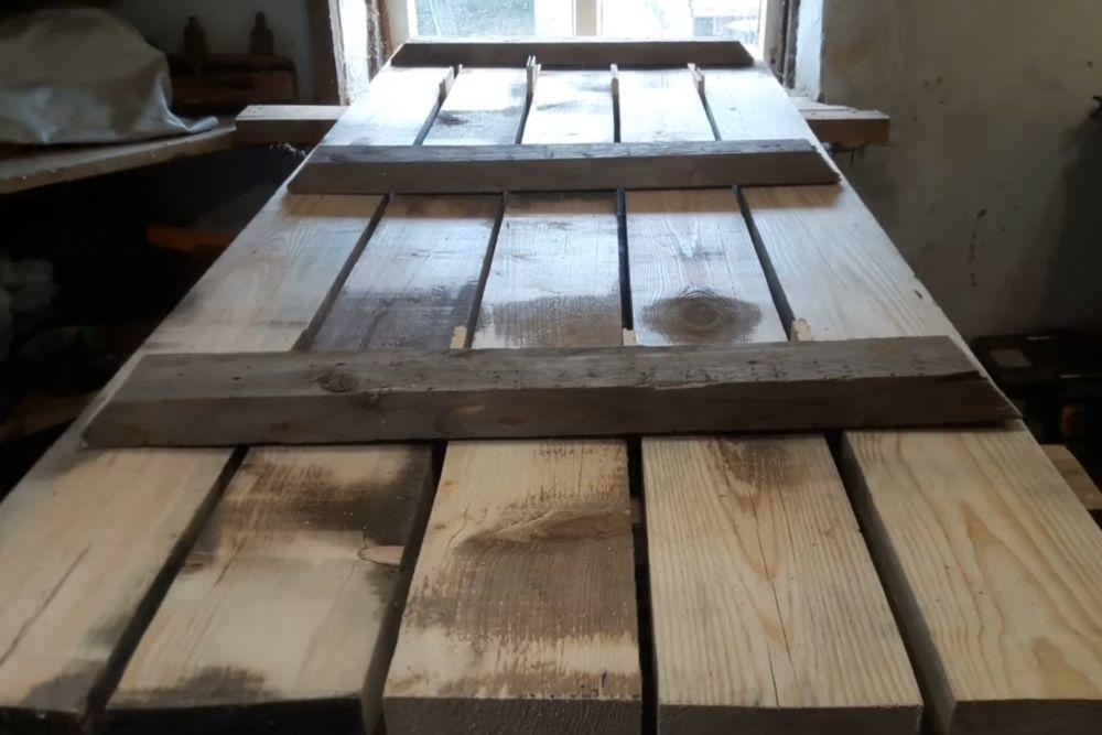 Процесс изготовления деревянного стола шаг 4