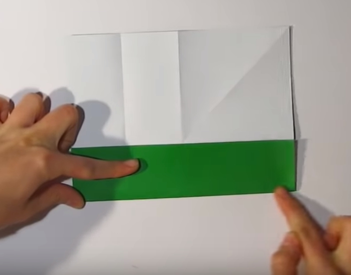 Процесс изготовления деда мороза оригами вариант 1 шаг 5