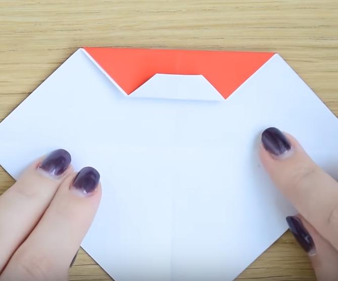 Процесс изготовления деда мороза оригами вариант 2 шаг 5