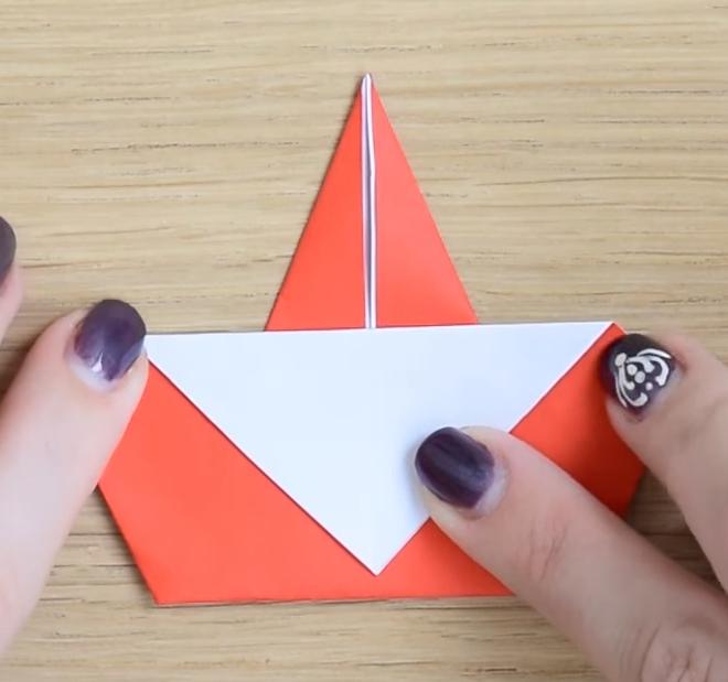 Процесс изготовления деда мороза оригами вариант 3 шаг 5