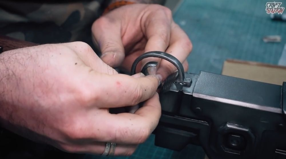 Процесс изготовления винтовки мондалорца шаг 56
