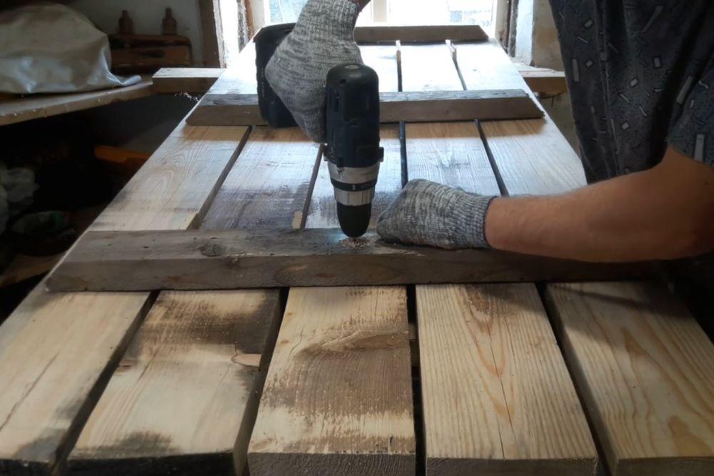Процесс изготовления деревянного стола шаг 5