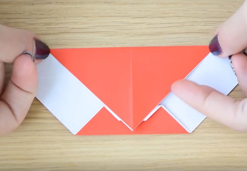 Процесс изготовления деда мороза оригами вариант 2 шаг 6