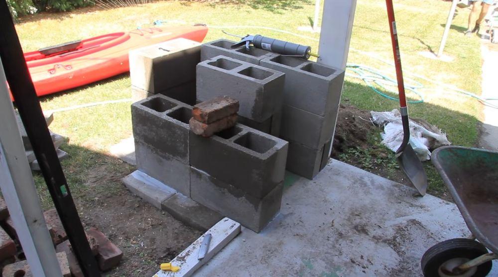 Стеновые блоки подиума