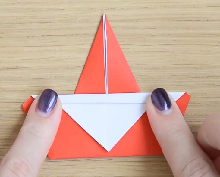 Процесс изготовления деда мороза оригами вариант 3 шаг 6