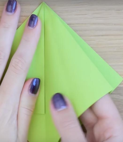 Процесс изготовления елки оригами шаг 6
