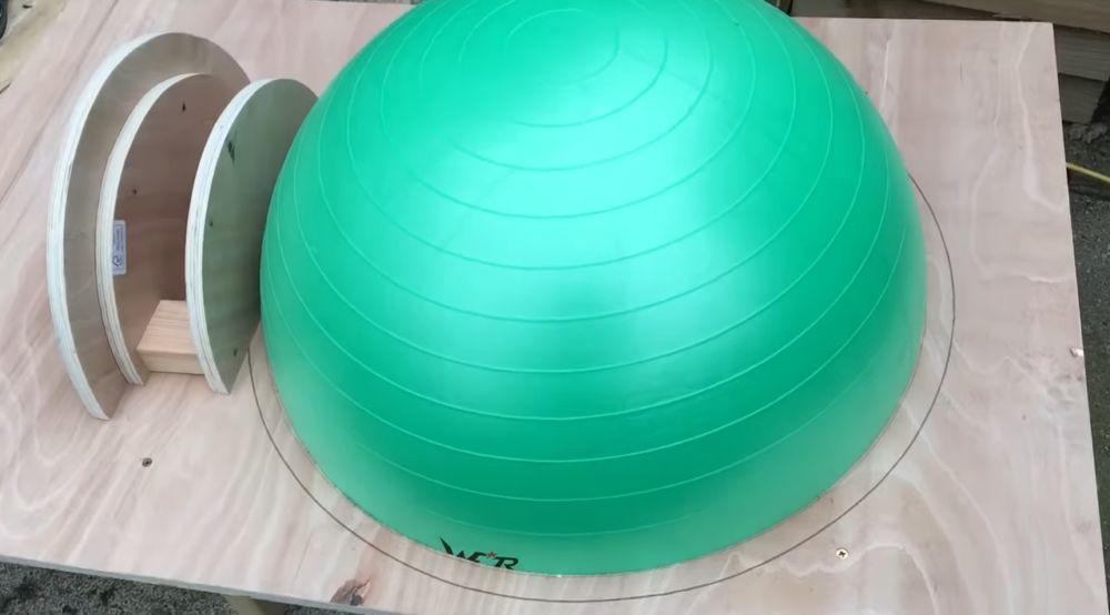 Сборка шаблона печи с гимнастическим шаром