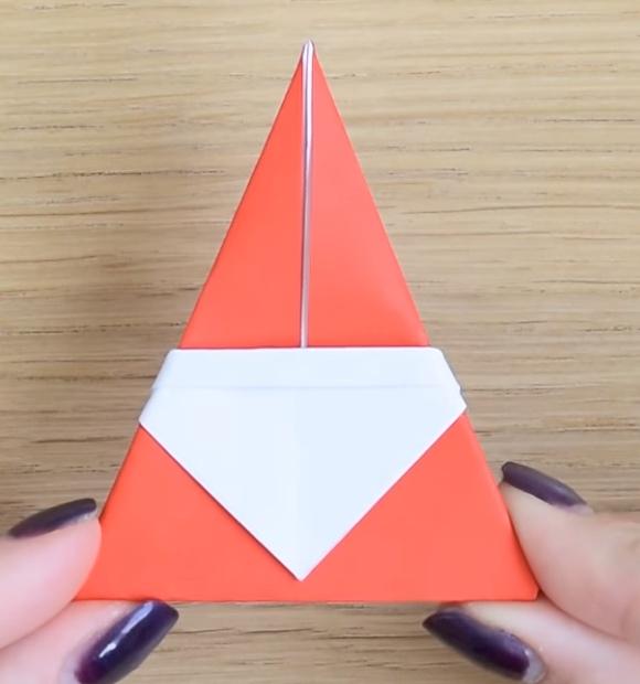 Процесс изготовления деда мороза оригами вариант 3 шаг 7