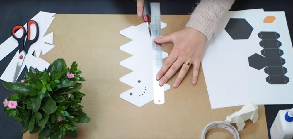 Процесс изготовления снеговика оригами шаг 7