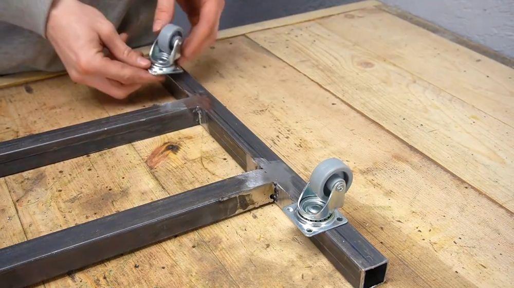 Процесс изготовления ручной бетономешалки шаг 7