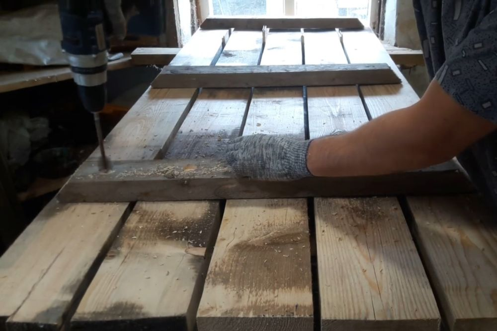 Процесс изготовления деревянного стола шаг 7