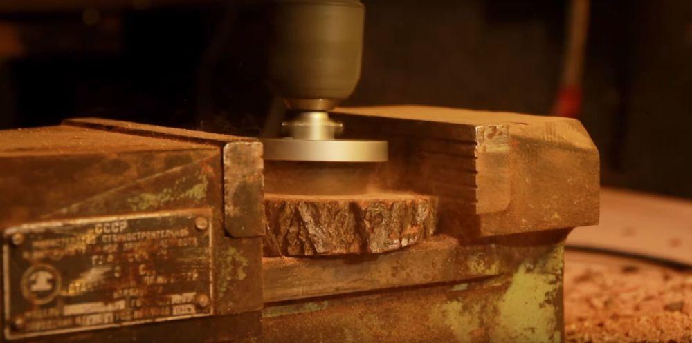 Процесс изготовления светильника из полена шаг 8