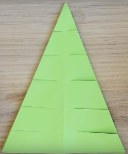 Процесс изготовления елки оригами шаг 9