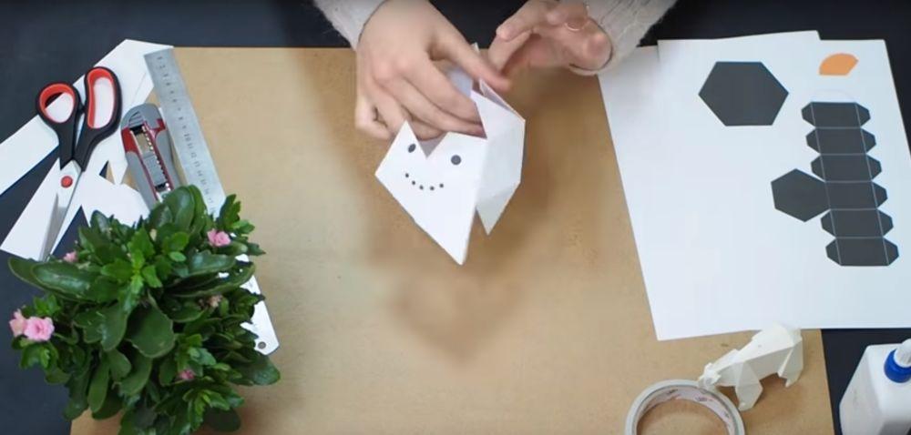 Процесс изготовления снеговика оригами шаг 9