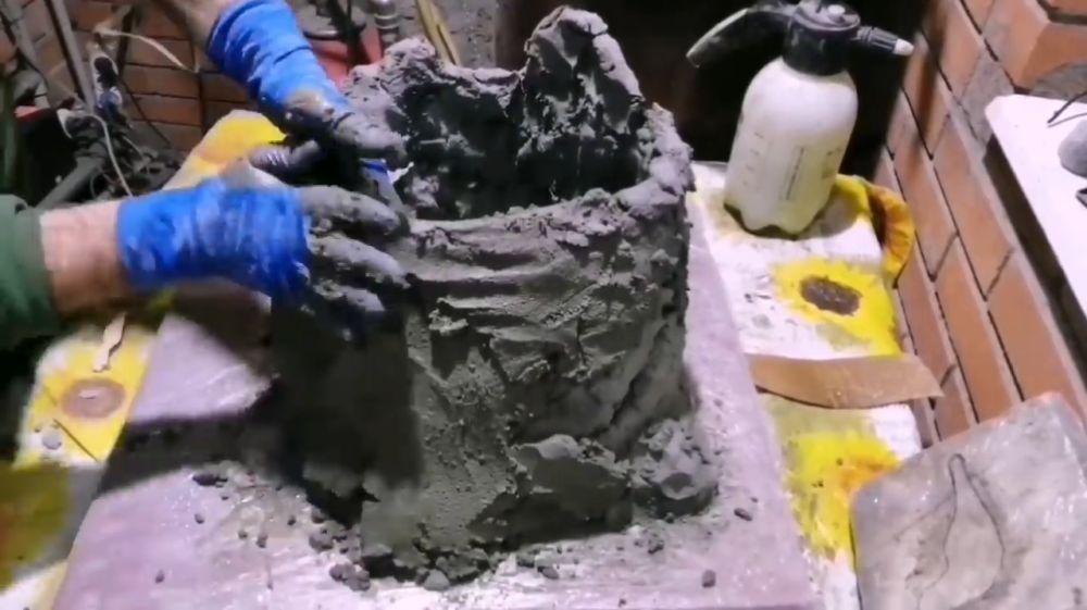 Процесс изготовления пня из цемента шаг 9