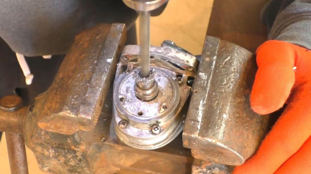 Процесс изготовления триммера из болгарки шаг 9