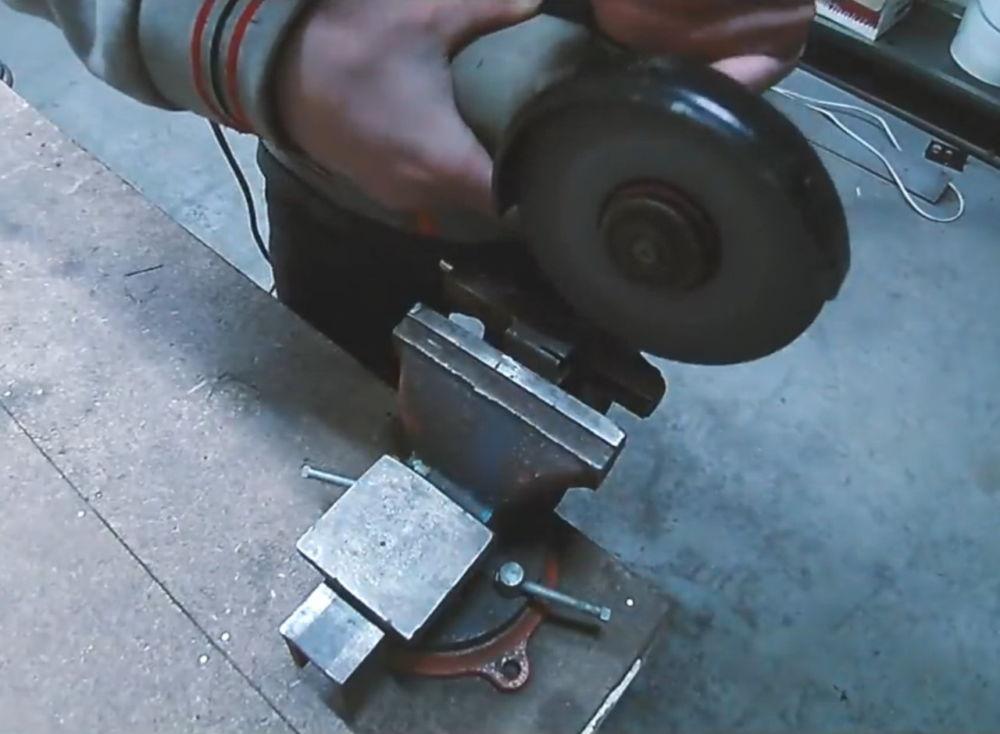 Процесс изготовления ленточной шлифовальной машины шаг 11