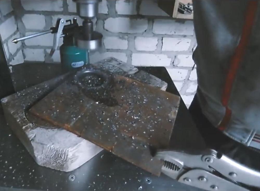 Процесс изготовления ленточной шлифовальной машины шаг 1