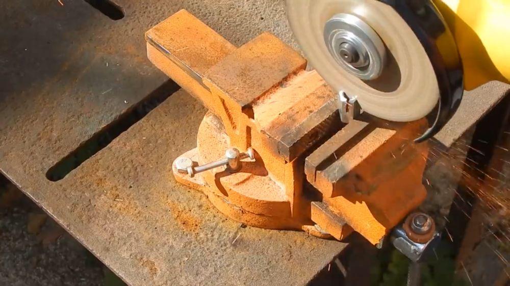 Процесс изготовления гибкого удлинителя для шуруповерта шаг 1