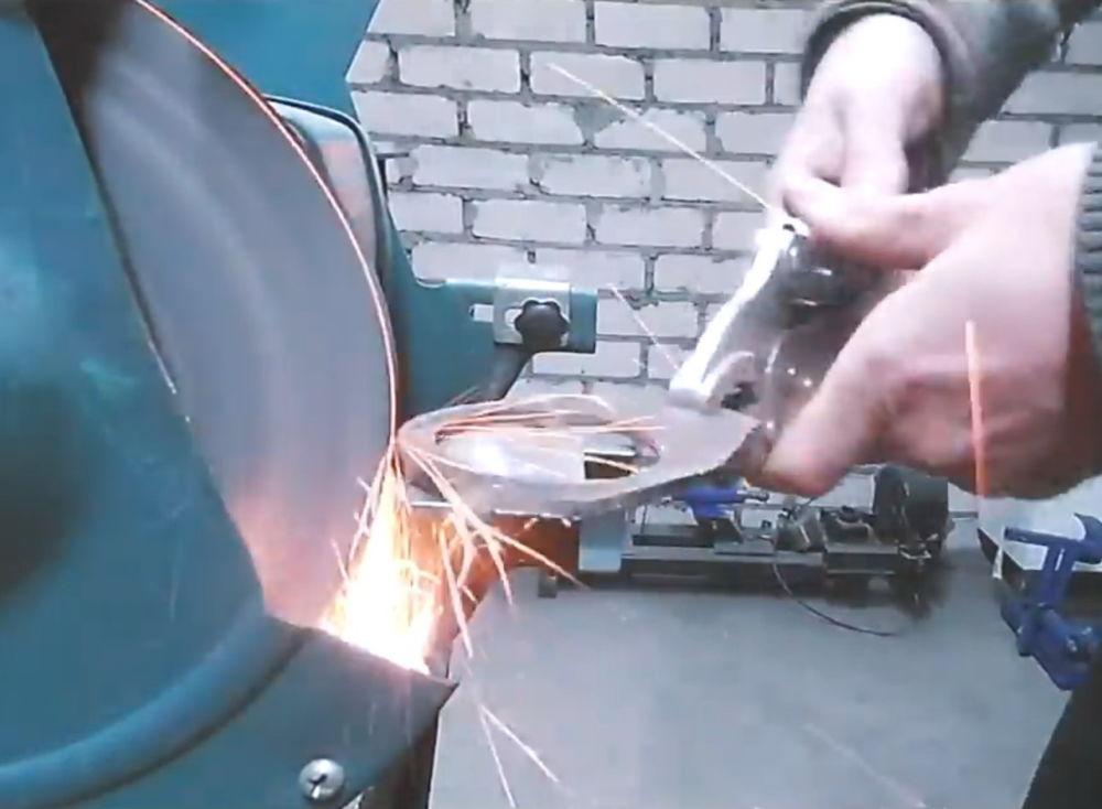 Процесс изготовления ленточной шлифовальной машины шаг 2