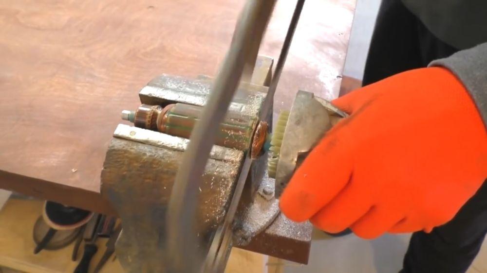 Процесс изготовления триммера из болгарки шаг 2