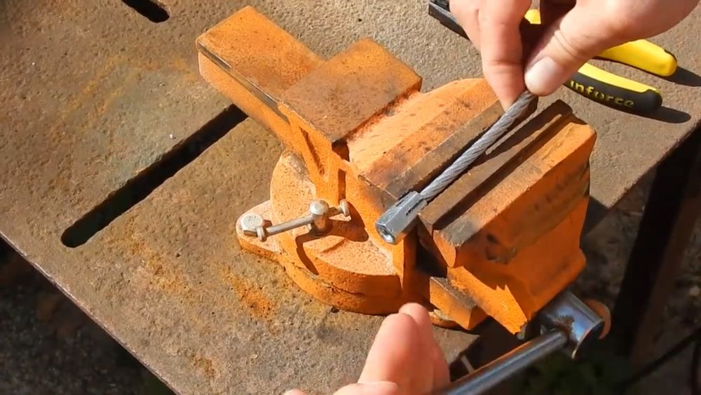 Процесс изготовления гибкого удлинителя для шуруповерта шаг 3