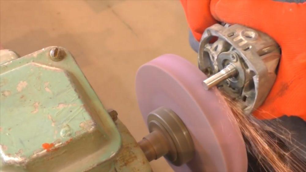 Процесс изготовления триммера из болгарки шаг 6