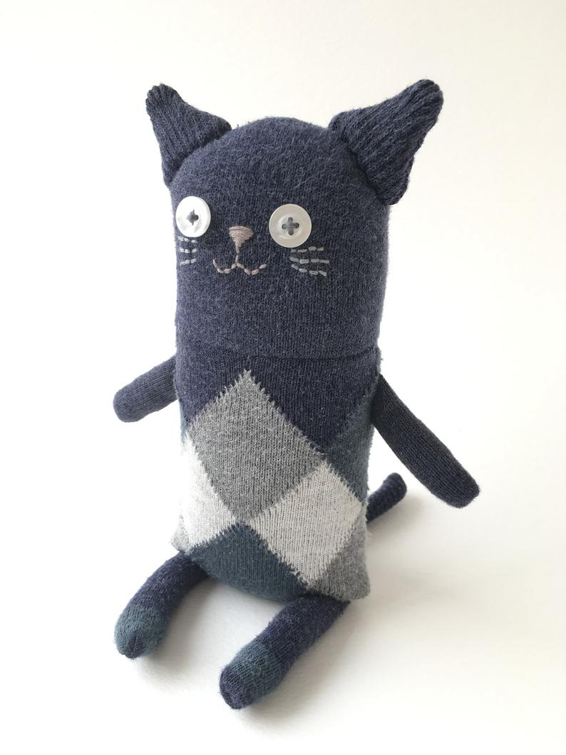 Кошка из носков 2
