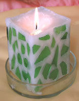 Свеча со стеклянным орнаментом