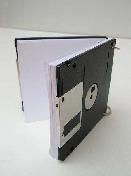 Записная книжка из дискет