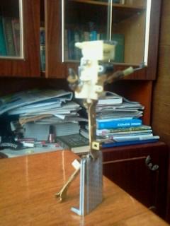 Робот из электрической бритвы