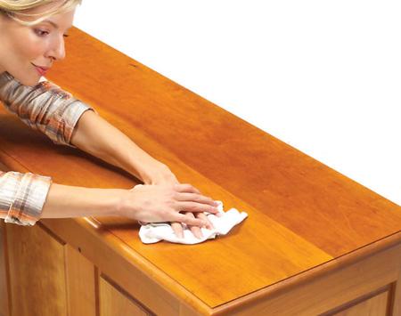 Обновляем деревянное покрытие мебели
