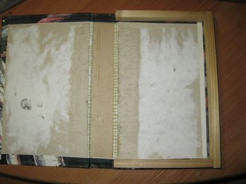 Портативные колонки в виде книги