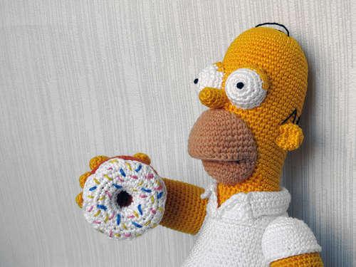 Вязаный Гомер Симпсон