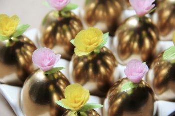 Цветы для украшения пасхальных яиц