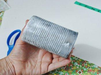 Ваза из бросового материала