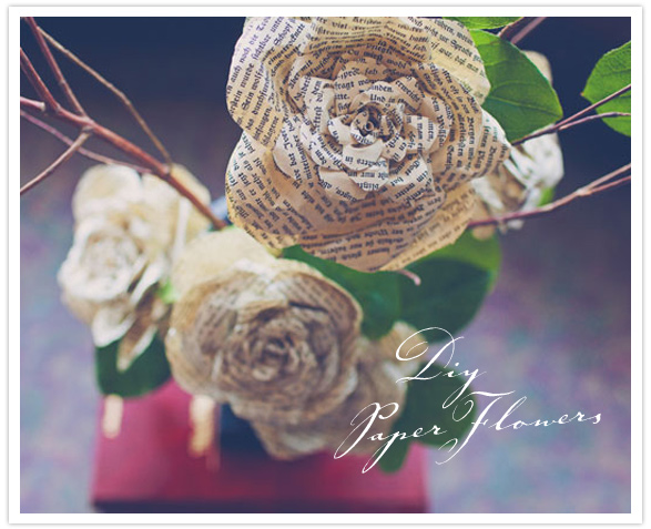 Розы из газетной бумаги