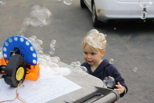 Машина для мыльных пузырей своими руками
