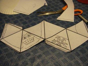 Поделки для детей: монстры из бумаги