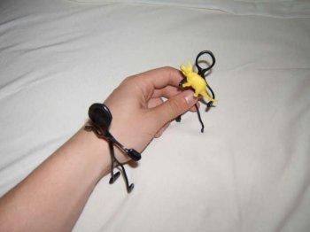 Игрушка из подручных материалов