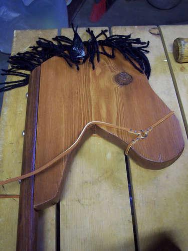Как сделать игрушку-лошадь из дерева