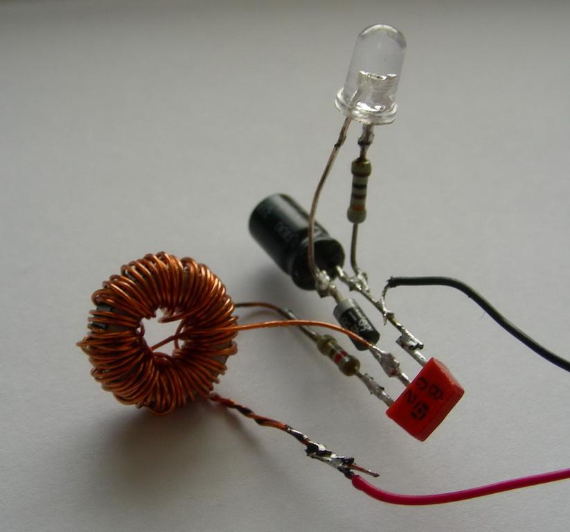 Питание светодиодов от одной батарейки AA