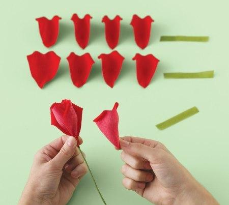 Очень натуральные розы из бумаги