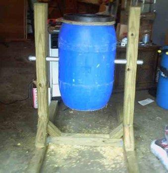 Как установить емкость для садового компоста