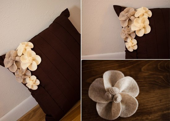 Цветочный декор подушки для дивана