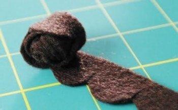 Бархатные шишки - необычные елочные игрушки своими руками