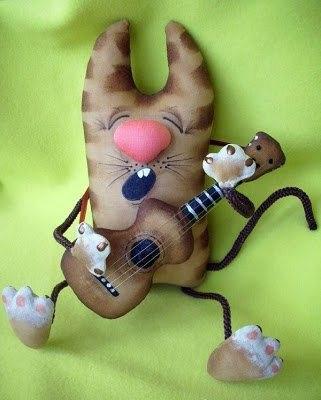 Игрушка Кот с гитарой